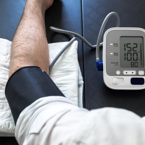 Prečo si máme doma merať krvný tlak?